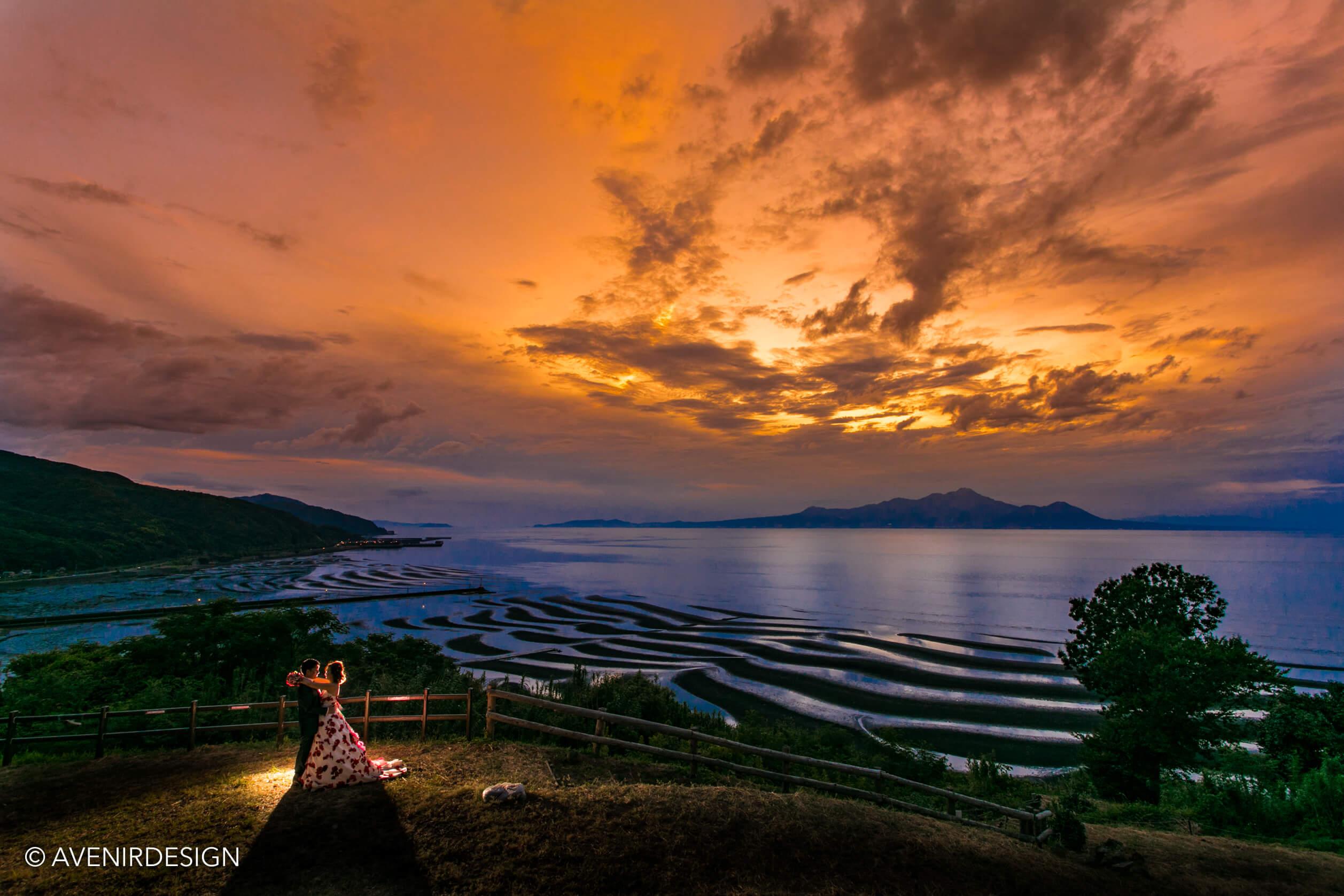 おこしき海岸で夕日のウェディングフォト撮影|熊本県宇土市
